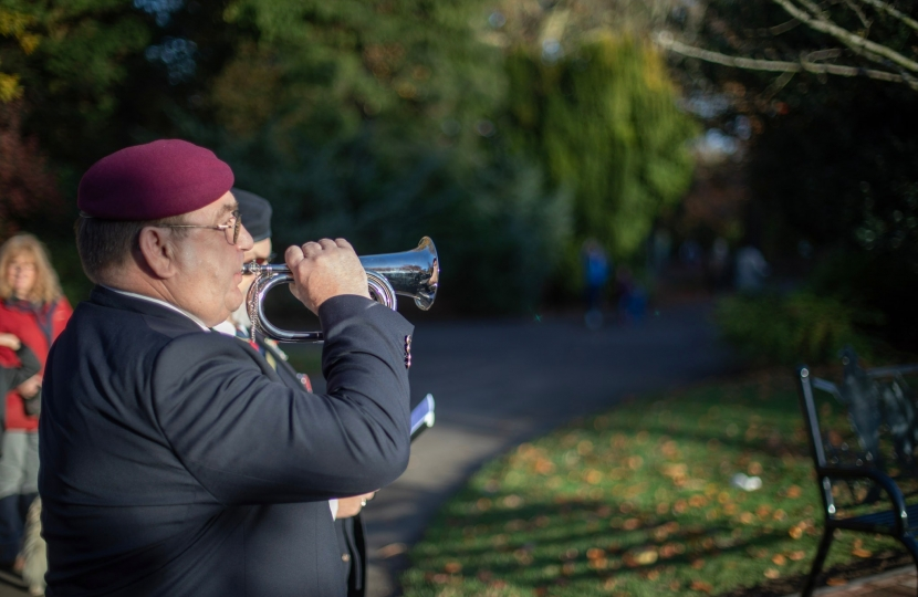 Veteran plays the last post