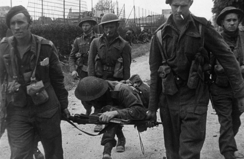 4 Commando with a wounded comrade